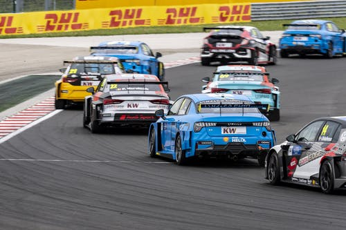 Who will become the 2019 WTCR champion? A stats deep dive into the first season half