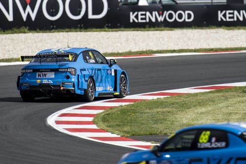 ​Flash report: Thed Björk in the top ten of WTCR practice at Zandvoort