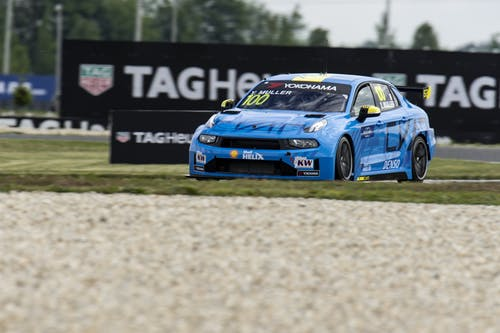 ​Flash report: Tough second practice at the Slovakiaring