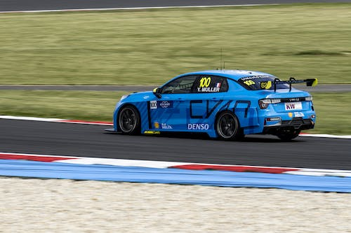 Flash report: Struggling for pace in qualifying at the fast Slovakiaring