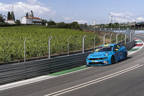 ​Flash report: Yvan Muller fights to fourth in first Vila Real practice