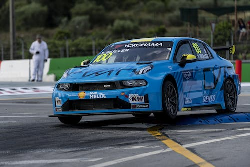 Flash report: Yvan Muller goes straight to the top at Macau