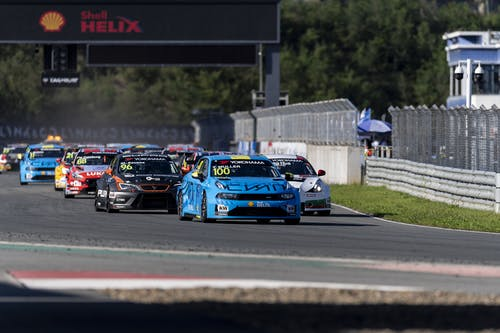 ​Yvan Muller unstoppable to pole and win in China for Lynk & Co Cyan Racing