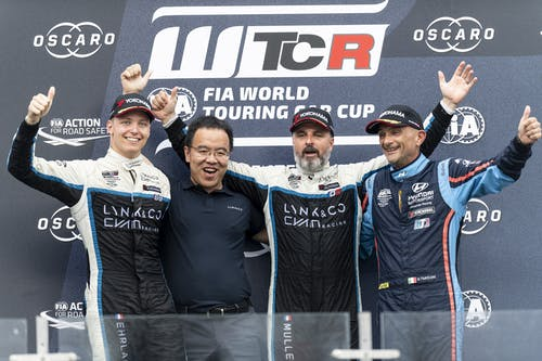 ​Twin wins by Yvan Muller in China brings Lynk & Co Cyan Racing points lead