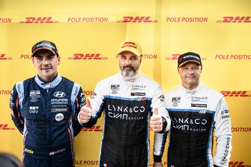 ​Yvan Muller claims pole with new Macau qualifying lap record