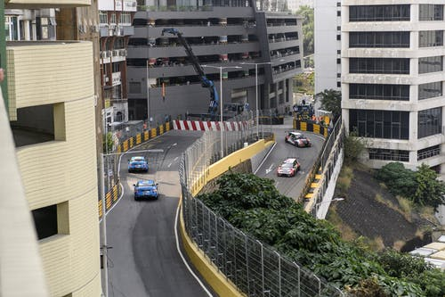 VIDEO: 260km/h on the streets of Macau to triple WTCR win