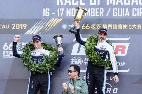 Flash report: Yvan Muller and Thed Björk heads Lynk & Co Cyan Racing 1-2