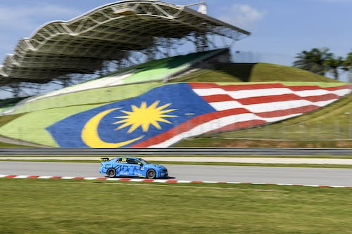 ​Flash report: Improving under the scorching sun at Sepang
