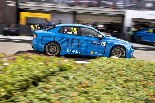 ​Flash report: Front row in Lynk & Co Cyan Racing's first WTCR qualifying