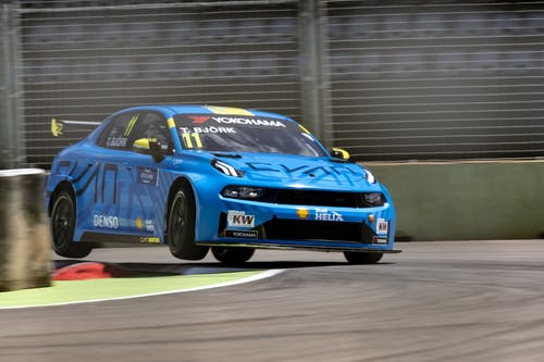 Intense European WTCR season commences in Hungary for leaders Lynk & Co Cyan Racing