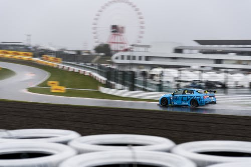 Flash report: Thed Björk eighth in qualifying as Yvan Muller crashes