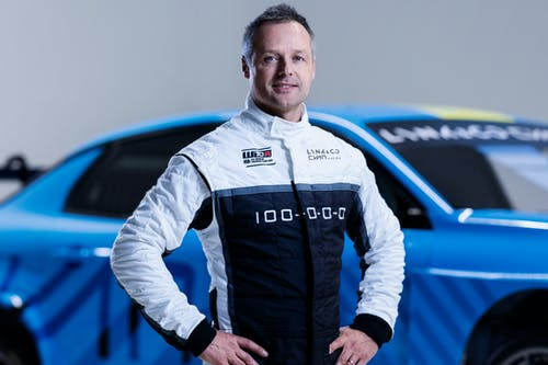 ​Three-time World Champion Andy Priaulx joins Lynk & Co Cyan Racing