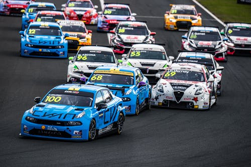 Heat is on Lynk & Co Cyan Racing for penultimate WTCR round