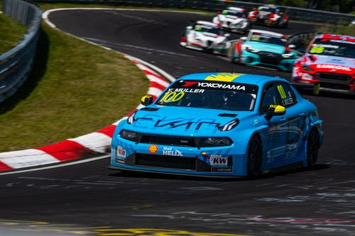 ​Points salvaged in extremely difficult Nürburgring weekend