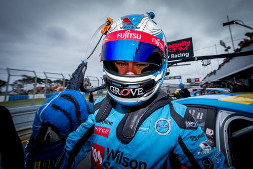 Scott McLaughlin chasing win in V8 Supercars finale