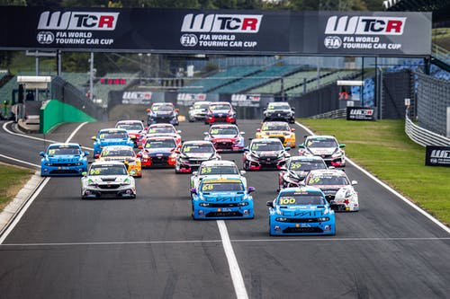 ​Yann Ehrlacher strengthens WTCR lead with Hungaroring victory