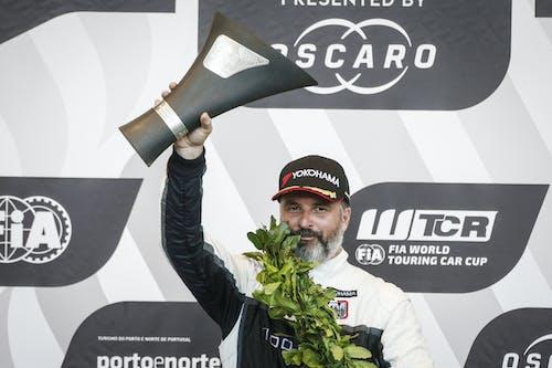 Lynk & Co Cyan Racing signs quadruple World Champion